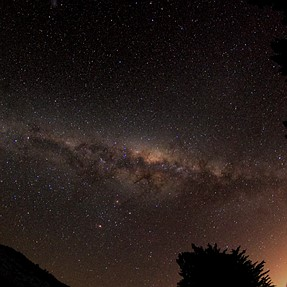 Stacking a Milky way time-lapse (well, 54 frames) for 1350s.