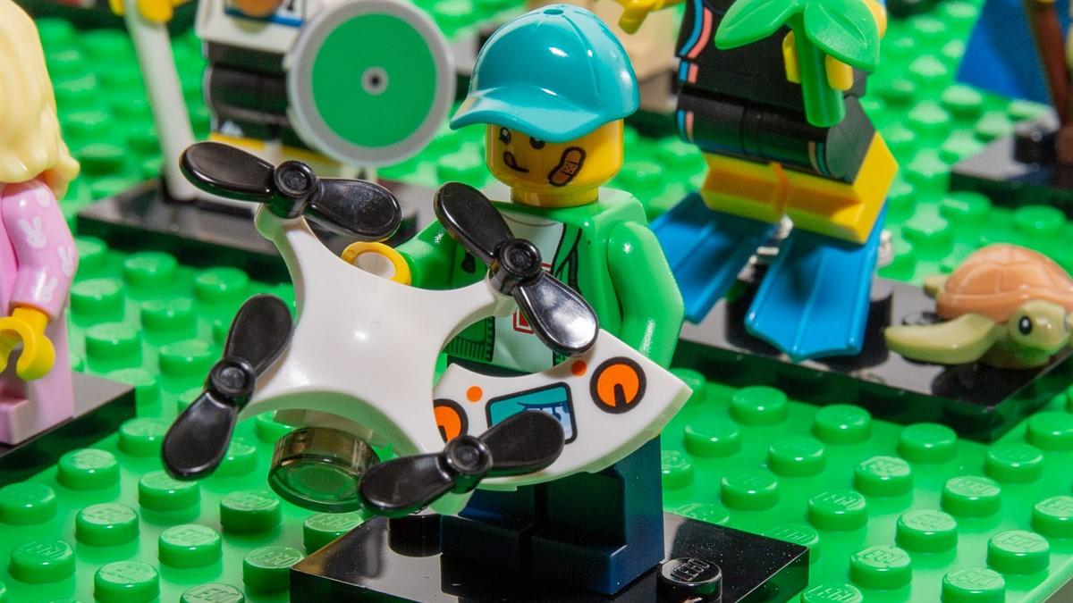 NEW Lego Drone Quad Copter Controller White Mavic UAV Pilot Mini Air Minifigure