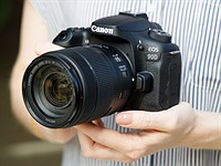 Hands-on with the Canon EOS 90D