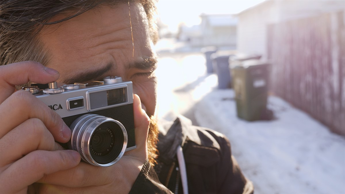 DPReview TV: The Yashica Y35 looks like a camera that would be fun