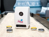 Review: The Petzi Treat Cam is a camera with an integrated pet feeder