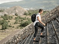The VEER 18 is a packable bag with inflatable camera protection that's currently on Kickstarter