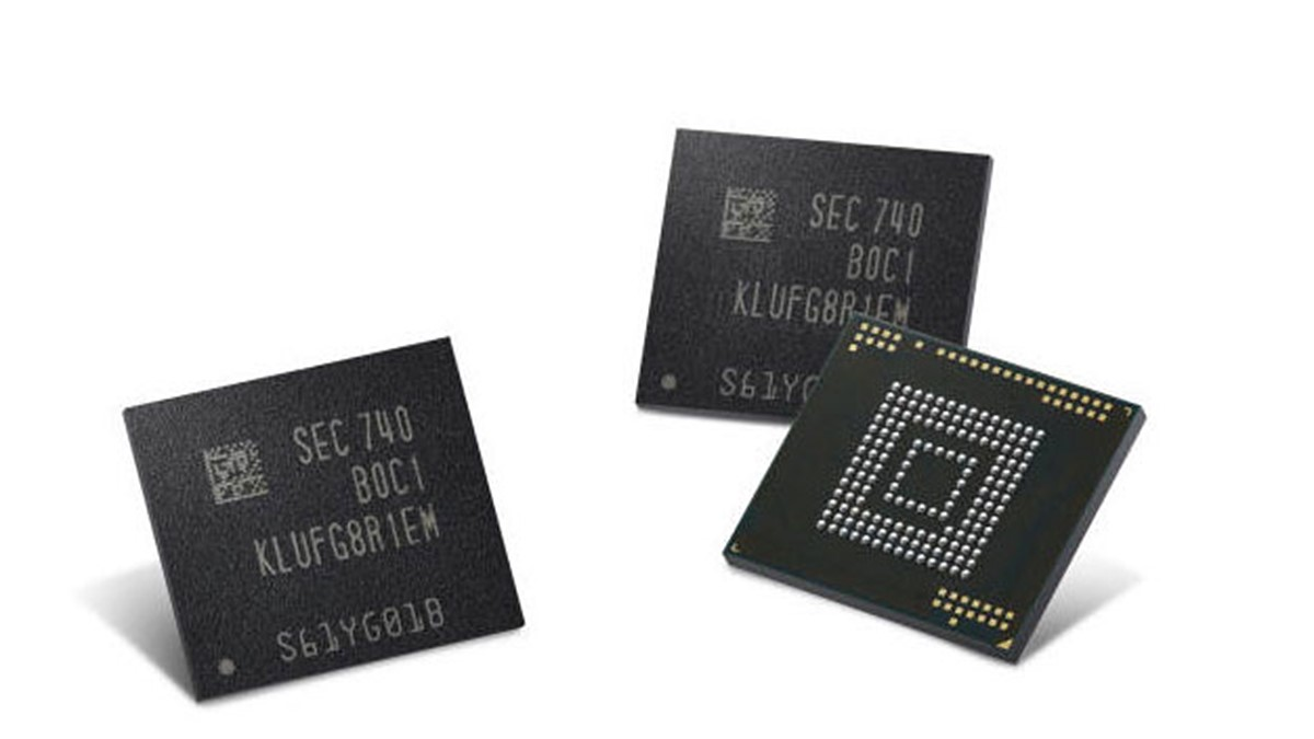 Samsung's built-in storage chips might make microSD slots a thing of