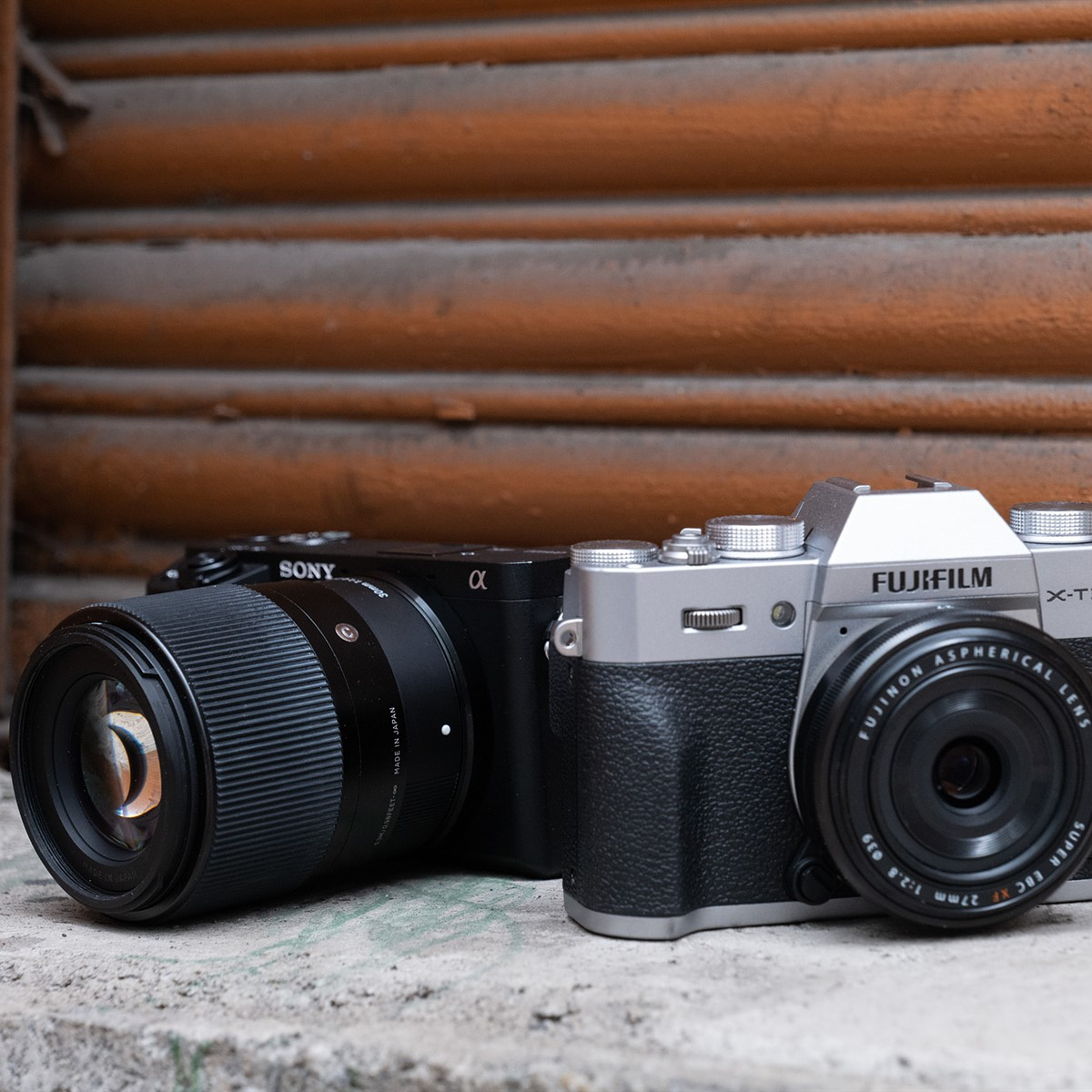 Sony a6400 vs Fujifilm X-T30: Which is best for you