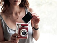 Lomography Lomo'Instant Automat camera launches on Kickstarter