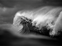Filmmaker and photographer collaborate to show natural beauty of ocean waves