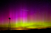 Northern lights play over the USA