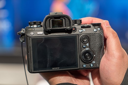 Hands-on with the Sony Alpha a9 5