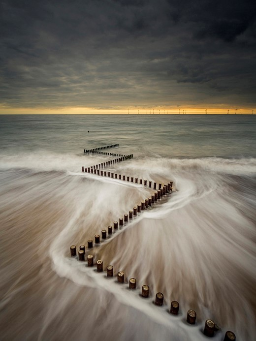 Starling vortex wins £10,000 Landscape Photographer of the Year prize 9