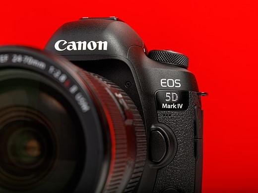 Should you upgrade to a Nikon D850? 10