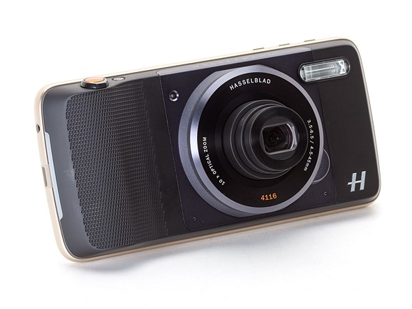 Hasselblad True Zoom Moto Mod hands-on preview 1