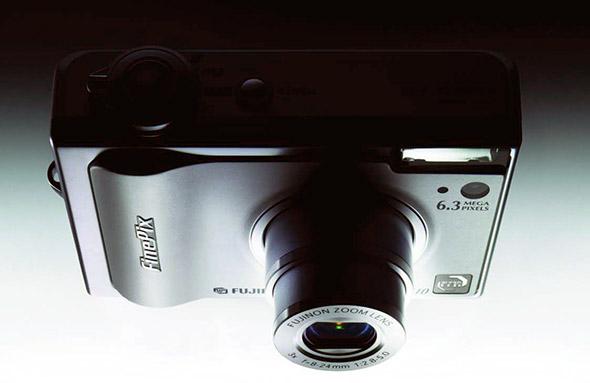 Throwback Thursday: Fujifilm F10 1
