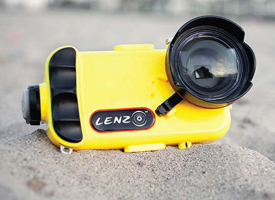 the latest 90e14 06478 LenzO underwater housing for iPhone 7 is rated for 100 meters ...