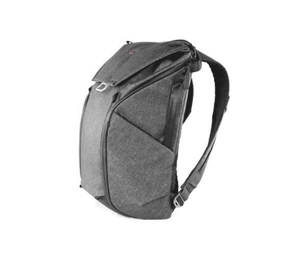 Peak Design launches Everyday backpack, tote and sling bags on Kickstarter 1