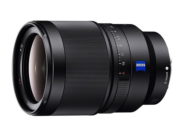 Sony 35mm FE lens firmware update improves manual focus reliability 1