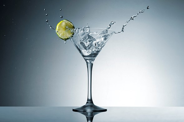 Tutorial: How to shoot a martini splash photo using only speedlights 1