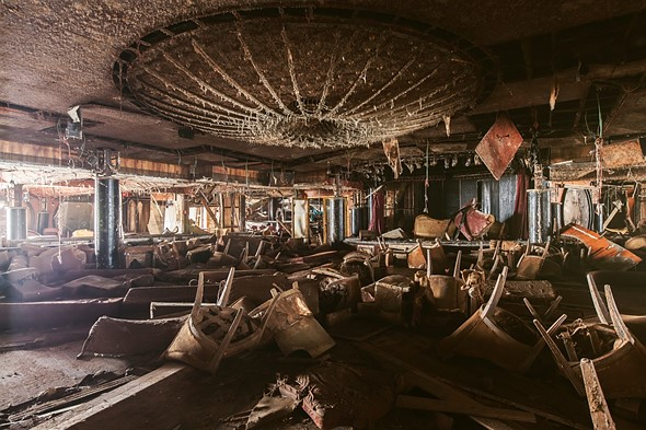 Haunting photos from inside the wrecked cruise ship Costa Concordia 9