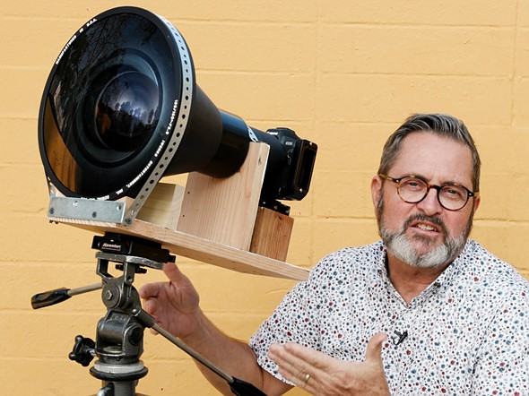Photographer builds rig to mount his EOS R behind giant projection lens