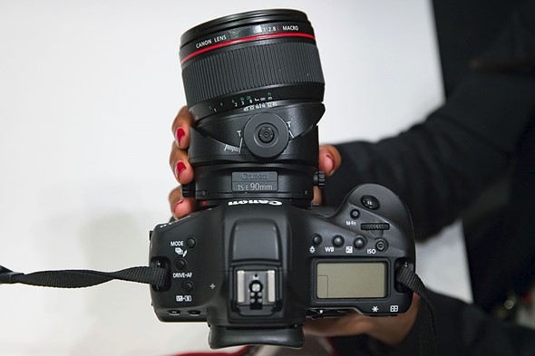 Hands-on with new Canon L-series primes