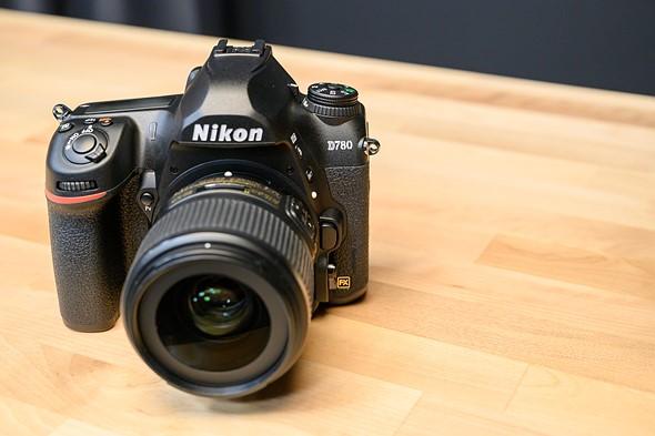 Speed Dating Canon lub Nikon