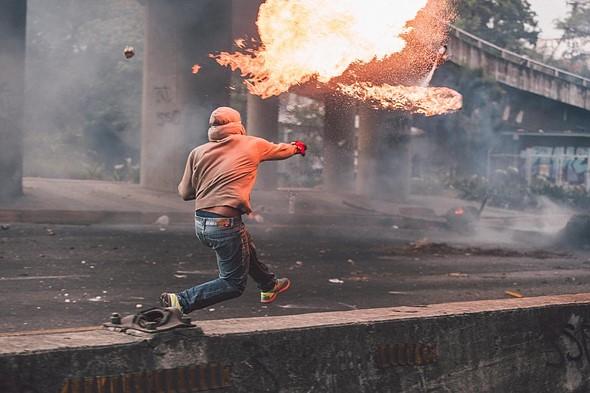 """#Photojournalism2020 Top 50 Finalist: 'Corazón de fuego' by <a href=""""https://www.artsy.net/marion-gallery/artist/donaldo-barros"""" rel=""""noopener"""" target=""""_blank"""">@donaldobarros</a> (Venezuela)"""