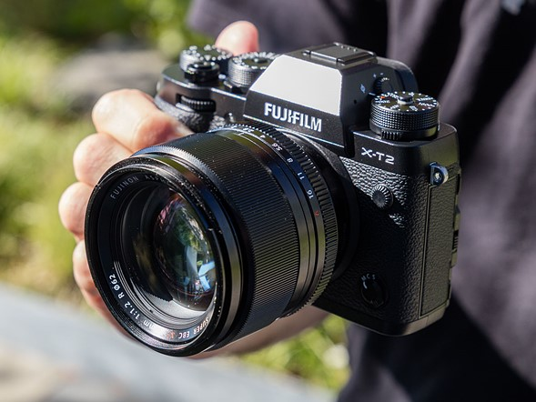 Faster flagship: Hands-on with Fujifilm X-T2
