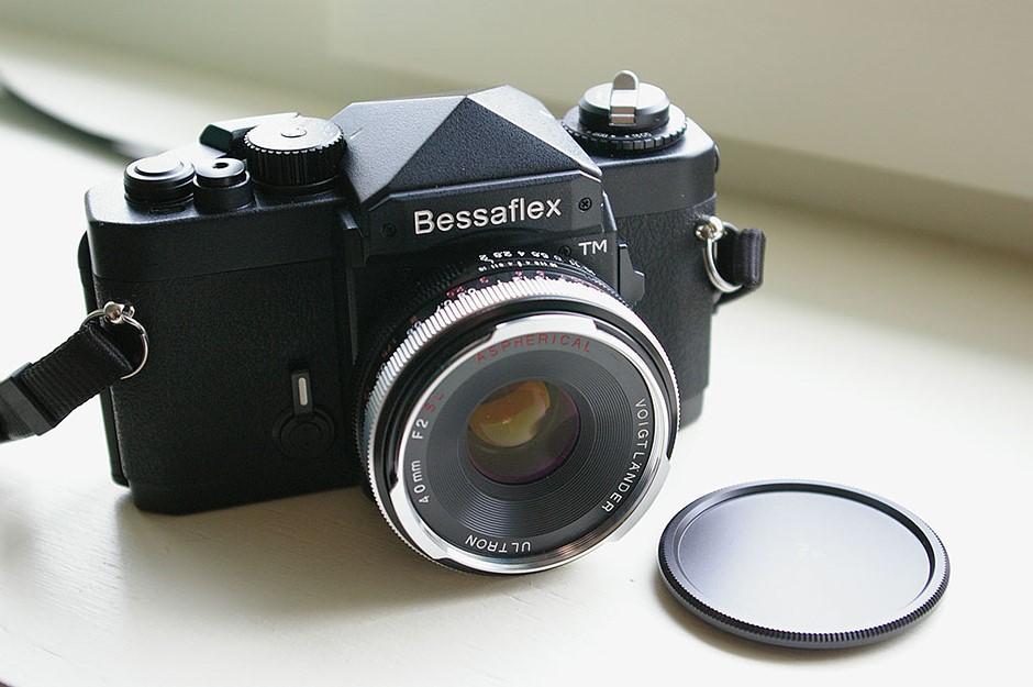 Film Friday: Voigtlander Bessaflex TM - the film SLR way ahead of its time