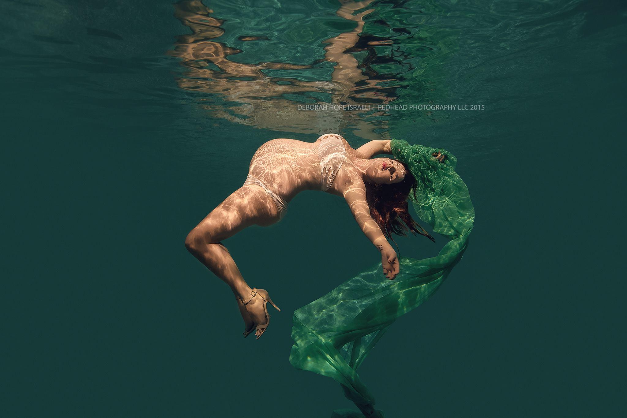 Photos underwater redhead
