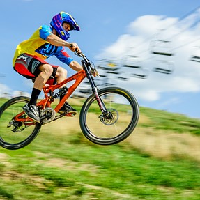 A99 W/24-70mm ZA (Mountain Bike Racing)