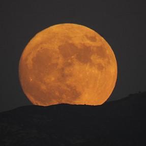 Moonrise Sunday Gold Canyon AZ