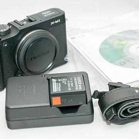 Fujifilm X-M1 Compact System 16MP Digital Camera Mint $180.00