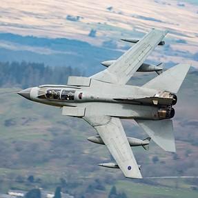 D7200 vs D700 Low Flying Aircraft