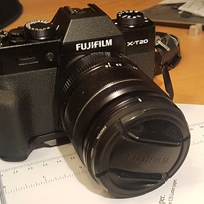 A closer look at the Fujifilm MHG-XT10 grip for the X-T20
