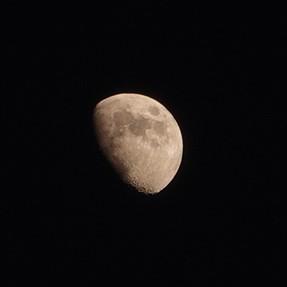 RX100VI: Shooting the moon