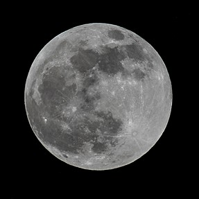 Pentax Q7 vs K3 Moon shot