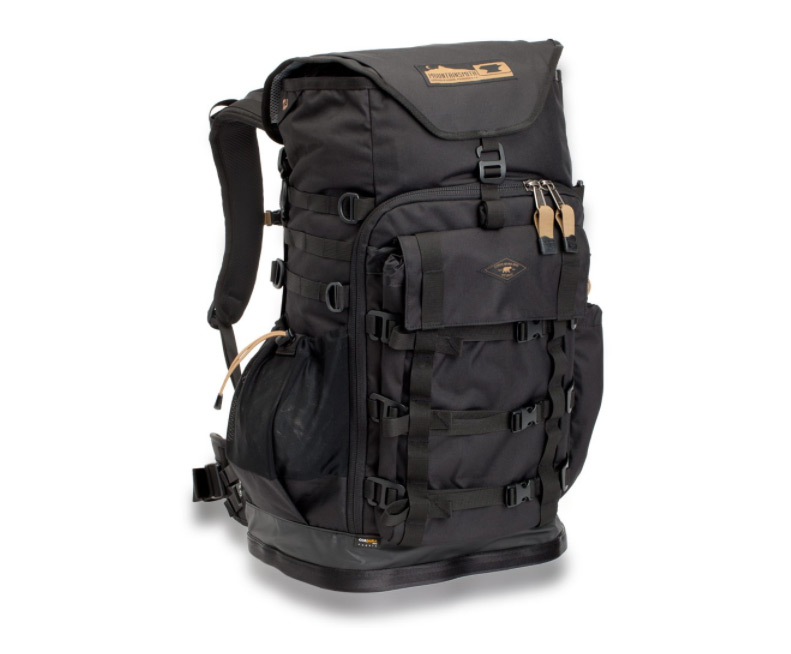 Mountainsmith debuts Chris Burkard T.A.N Camera Series bags for adventurers bddd4efe8f4d1