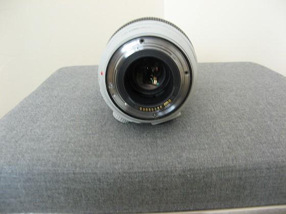 Screws for silver lens mount (Canon 100-400 mm lens): Canon